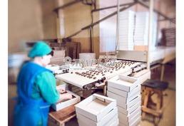 Комплектовщицы и комплектовщики на пищевое производство